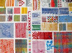 Rachel Parker. Une seule obsession: le point de croix ! Rachel Parker, designer textile aux multiples facettes, en a fait sa signature. Colorées et graphiques, ses créations jouent sur le détournem…