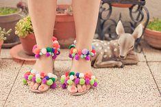 Quand j'ai vu ces chaussures pompons sur les pieds de plusieurs blogueuses, je suis tombée totalement amoureuse ! Il me..
