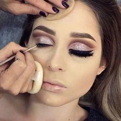 - make up/cute looks - Beauty Clown Makeup, Glam Makeup, Makeup Inspo, Eyeshadow Makeup, Makeup Inspiration, Halloween Makeup, Fox Halloween, Candy Makeup, Halloween Photos