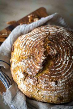 Artisan Bread Recipes, Dutch Oven Recipes, Cooking Recipes, Chef Recipes, Soup Recipes, Pecan Bread Recipe, Canned Pumpkin Recipes, Pecan Recipes, Fall Recipes