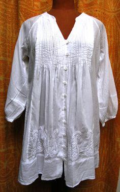 Blusa de algodón bordada a mano