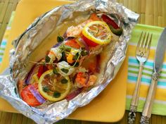 Baked Salmon en Papillote - QueRicaVida.com