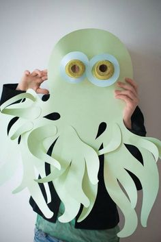 Love this super fun octopus mask paper craft / costume for kids!