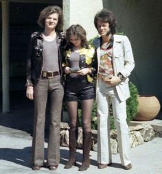In 1971 hot pants and bell-bottomed trousers were popular fashion trends. hot pants make a new breath for woman , ít's give to them more glamour , show their leg and sexy look .and straight leg with a little flare on hem trouser is very popular for man in this time