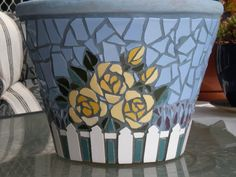 I have made this pot with 3 different roses bushes and lavender. Mosaic Planters, Mosaic Vase, Mosaic Flower Pots, Mosaic Garden, Pebble Mosaic, Mosaic Crafts, Mosaic Projects, Mosaic Bottles, Mosaic Artwork