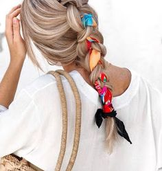 Easy Short Hair Updos That Will Take Eight Minutes or Less – HerHairdos Pigtail Hairstyles, Bandana Hairstyles, Spring Hairstyles, Braided Hairstyles, Teenage Hairstyles, Hairstyles Haircuts, Short Hair Styles Easy, Short Hair Updo, Coiffure Hair