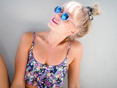 Blogger Sara's beautiful 90's inspired summer look. #summer #lumene
