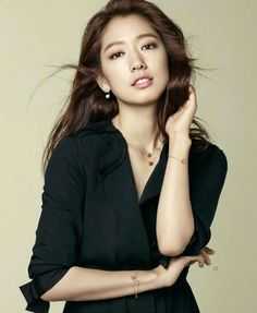 Park Shin Hye Exudes Beauty in Her Endorsement for Agatha Paris Lee Seung Gi, Lee Jong Suk, Gwangju, Korean Actresses, Korean Actors, Young Actresses, So Ji Sub, Lee Min Ho, Korean Beauty