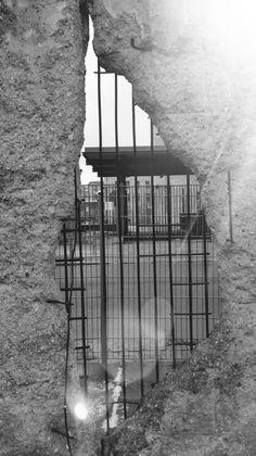 #Berlin #wall #divided