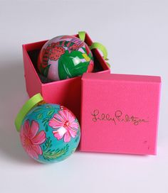 need these Lilly christmas tree ornaments. #LillyHoliday