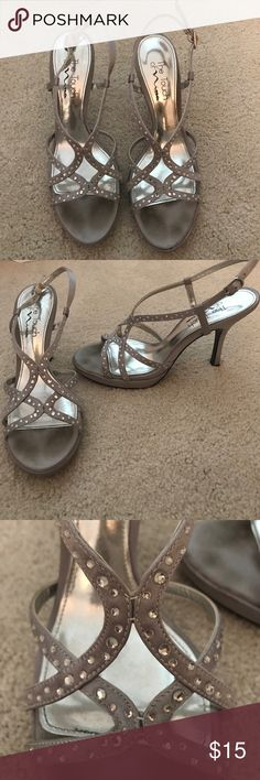 Nina heels Fancy silver and gold strapped heels! Nina Shoes Heels