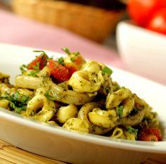 Una de nuestras pastas rellenas: Tortellini con pesto y calamar: http://youtu.be/zIfIMamVezI