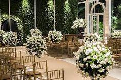 Resultado de imagem para decoracao de casamento classico/branco