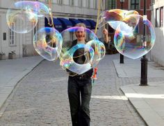 Tall Will - Bubble Performer | London