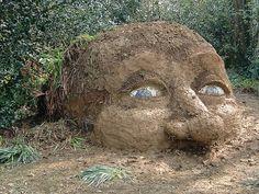 Giant's Head (Mud Sculpture): The Lost Gardens of Heligan - Modern Design Outdoor Sculpture, Outdoor Art, Outdoor Gardens, Garden Sculpture, Decoration Restaurant, Lost Gardens Of Heligan, Low Maintenance Garden Design, Montreal Botanical Garden, Adornos Halloween