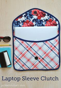 A free sewing pattern for a DIY laptop sleeve clutch