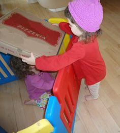 Pizza delivery - dramatic play for kids