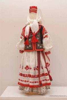 M Как сшить украинский костюм на куклу