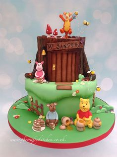 Winnie the Pooh themed cake. www.thecraftykitchen.co.uk