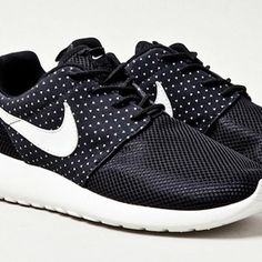 NIKE ROSHE RUN – 'NIGHT SNOW'