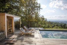 Ferienhaus Steiermark mit Pool und Sauna Outdoor Furniture, Outdoor Decor, Sun Lounger, Bungalow, Concrete, Bathtub, Patio, Vacation, Places