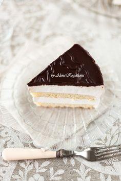 Scroll down for recipe In English . Рецепт этого торта есть в моем блоге, но фотографии требовали замены уже давно, поэтому вот он – обновленный торт «Птичье молоко». За…