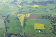 Couleurs printanières de la campagne tarnaise vues du ciel avec Atmosph'Air montgolfières occitanes