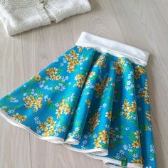 Snurreskjørt litlo og kalen Skirts, Fashion, Moda, Skirt Outfits, Fasion, Trendy Fashion, Skirt, La Mode