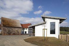 Large steel windows provide ample daylight: distillery building of the Monkey 47 distillery in Loßburg, Germany, by PHILIPP MAINZER (2015). Photo: Ingmar Kurth. #ruralsite