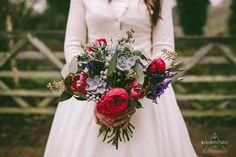 Bride-Bouquet-Bridal-Portraits-Creative-Alternatve-Wedding-Photography-Tythe-Tewinbury-Barn-Wedding-Photography