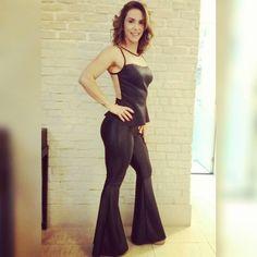 "21 Likes, 6 Comments - Padma mulher  11 983398489 (@padma_mulher) on Instagram: ""Arrasandoooo a nutri @anapaulaascencao ♡♡ Calça maxi flare cirre r$130,00  Encomendas  Whats 98339…"""