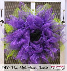 DIY Deco Mesh Flower Wreath - Tutorial available HERE
