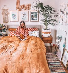 Gorgeous Bedrooms That WIll Inspire Some Big Ideas Bedrooms That WIll Inspire Some Big Ideas – The living room is the thing that defines your property. A messy home is a visual and mental drain. Dorm Room Walls, Cute Dorm Rooms, Room Wall Decor, Living Room Decor, Bedroom Decor, Bedroom Ideas, Bedroom Inspo, Bed Room, Bedroom Wall