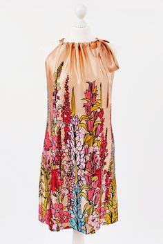 Seidenkleid mit tollem Blumenmuster,einfach selbernähen. Dress easy to sew