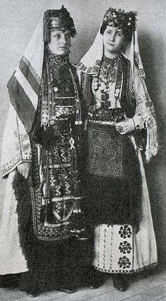 Costumi tradizionali serbi