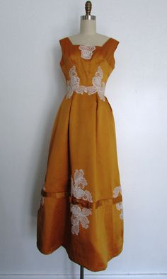 Late 1950's - 1960's gold and lace evening gown // vintage 1950's - 1960's gold lace and pearl formal dress // small // patricia by VivianVintage8 on Etsy