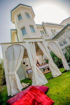 Arabian ritual in Carducci76 hotel garden