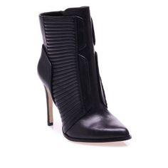 Bootie #boot #shoes #topuklubot #deri #leather #bordo #klasik #moda #fashion #bot #bootie #topuklubot #siyahbootie #ayakkabı #rahatbot #trend