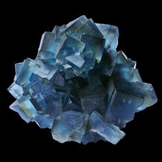 Fluorite - Montroc, Tarn, France Size : 8.4 x 7.0 x 4.4 cm