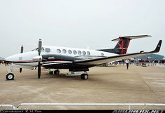 Photos: Hawker Beechcraft 350i King Air (B300) Aircraft Pictures ...