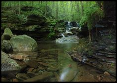 http://appvoices.org/images/uploads/2012/08/PA-Miners-Run.jpg   miner's run falls (North?)