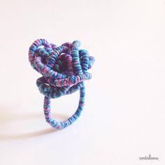 """""""80s"""", anello in carta filata : Anelli di cartalana"""