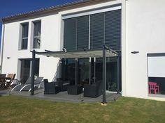 Condate : pergola 3x4m en aluminium #jardin #terrasse #deco #inspiration #design #détente #soleil #printemps #été #pergola #tonnelle http://www.alicesgarden.fr/parasol-tonnelle/tonnelle/condate-pergola-3x4-m