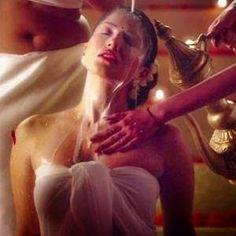100 litres Of Milk And Victoria's Secret Lingerie For Sunny Leone In 'Ek Paheli Leela'