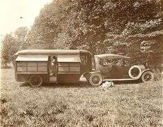 Camper trailer (about ~ღ~ Trailers Vintage, Vintage Rv, Vintage Caravans, Old Campers, Retro Campers, Camper Trailers, Airstream, Best Motorhomes, Tin Can Tourist