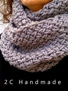 Have to translate the page to find out what that stitch was Crochet Quilt, Knit Or Crochet, Crochet Scarves, Crochet Stitches, Infinity Scarf Knitting Pattern, Knitting Patterns, Crochet Patterns, Baby Hats Knitting, Loom Knitting