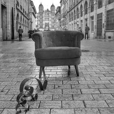 Parce que Gaston, l escargot bourguignon, a rencontré Quent Fauteuil-Graphe à Dijon