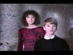 "PIE JESU - SARAH BRIGHTMAN & PAUL MILES-KINGSTON - the definitive performance from Andrew Lloyd Webber's ""Requiem""."