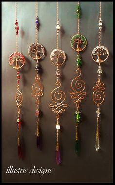 Tree of life unalome suncatcher Wire Jewelry Designs, Jewelry Crafts, Handmade Jewelry, Earrings Handmade, Sun Catchers, Copper Wire Art, Copper Wire Crafts, Diy Wind Chimes, Diy Bird Feeder