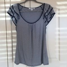 Forever 21 Navy Blue and White Striped Top Forever 21 Navy Blue and White Striped Top in size M in Good Pre Owned Condition, Very Clean, No Holes or Stains. 100% Smoke and Pet Free Home. Thanks for looking!!! Forever 21 Tops